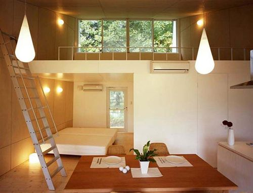 2-wood-interior-of-Japanese-small-Cottage-by-Architect-Toyo-Ito