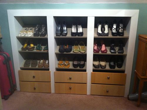 Built in shoe closet