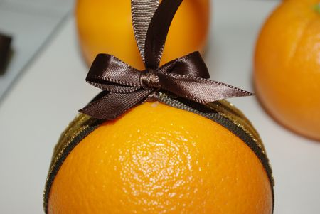Orange and clove pomanders tutorial