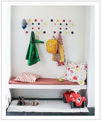 Simple bench mudroom