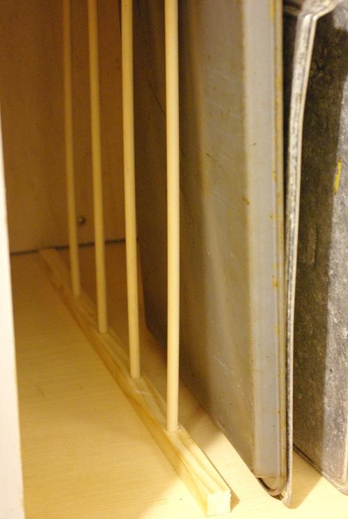 Vertical bakeware storage